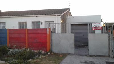 Cottage For Sale in Mitchell's Plain, Cape Town